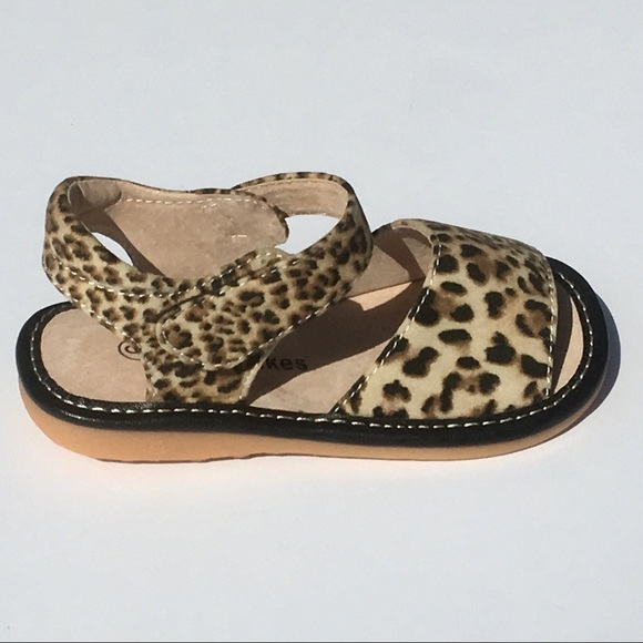 28fa91b1bb New animal print Squeaky sandals - size 9